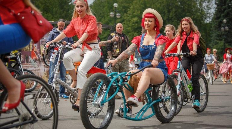 В Петербурге в воскресенье, 15 июля, пройдет необычный велопробег Beauty Cycle Run. Участникам заезда придется соблюдать дресс-код – на велосипеды девушки должны сесть в любимых пижамах.
