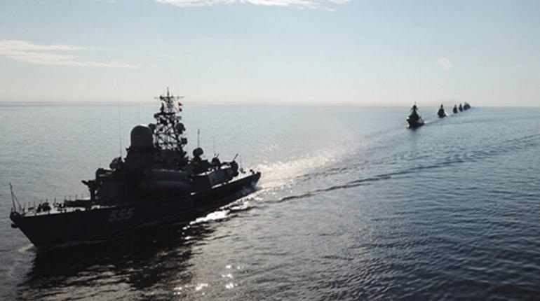 В Финском заливе завершена трехдневная тренировка боевых кораблей и катеров ВМФ России перед Главным военно-морским парадом в Петербурге. В ней участвовало 35 кораблей и катеров.