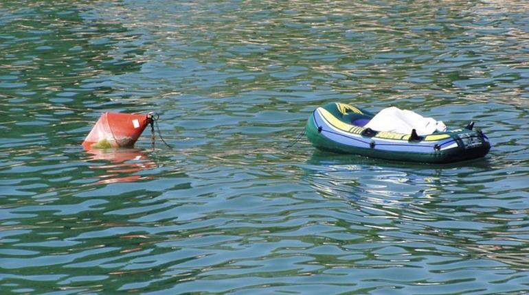 В реке Сясь обнаружили лодку с мертвым рыбаком