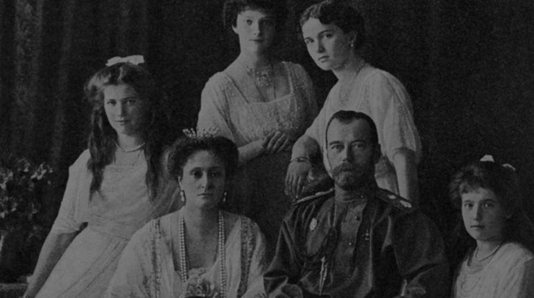 Научным сотрудником удалось подтвердить подлинность останков семьи Николая II, для этого были проведены молекулярно-генетической экспертизы.