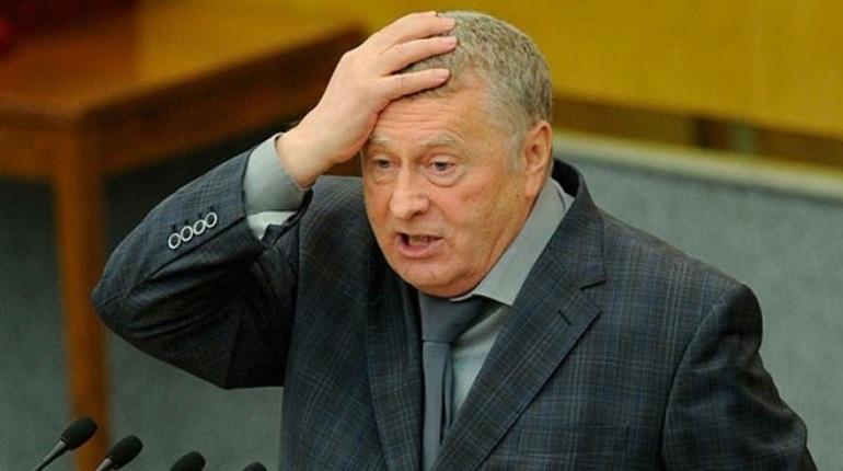 Обливший Жириновского пивом болельщик мундиаля арестован на 14 суток