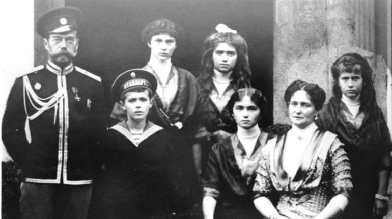 Память царской семьи в Петербурге почтят богослужениями и акциями памяти