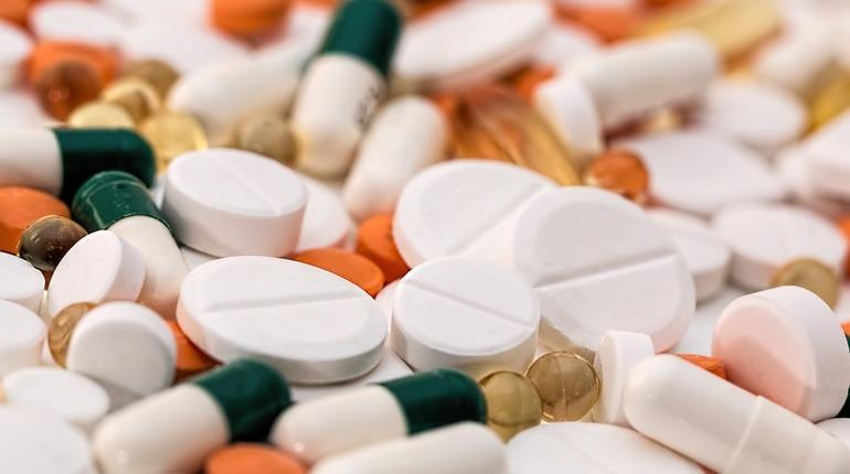 В прокуратуру Санкт-Петербурга обратилось 85 местных жителей, которые жаловались на плохое обеспечение льготными лекарственными средствами.