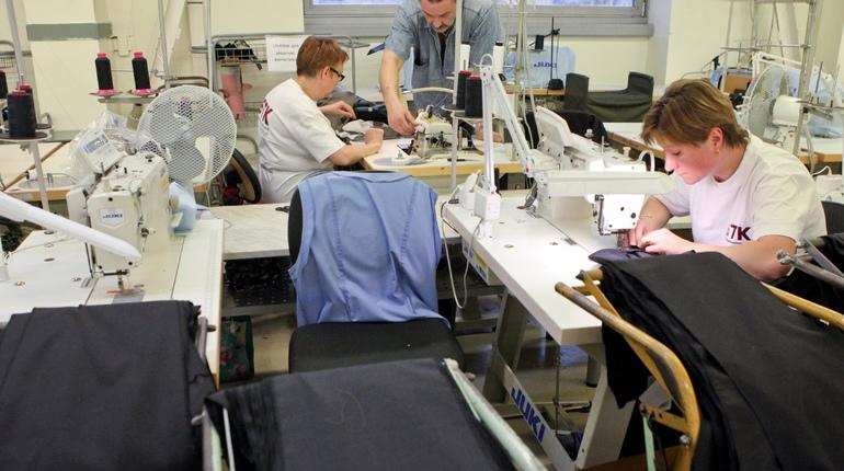 Промышленное производство в Петербурге выросло за счет одежды