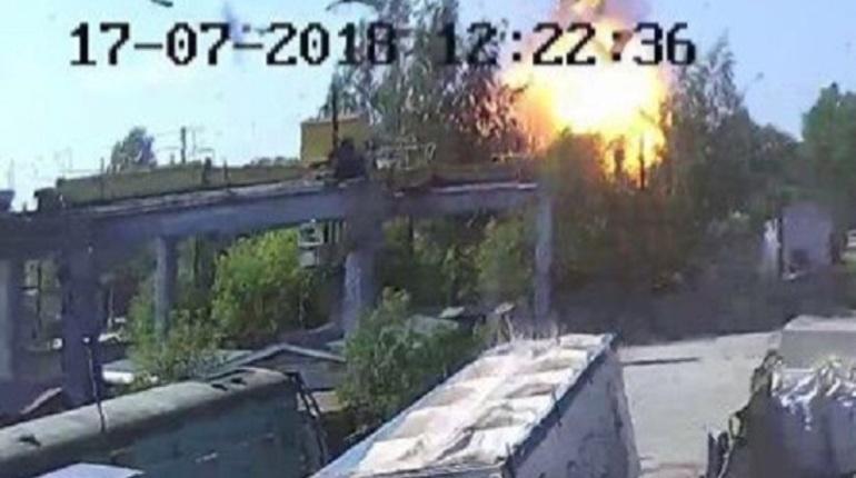 В Петербурге произошел взрыв баллона с пропаном. ЧП случилось около 12:39 мск 17 июля на Литовской улице.  В МЧС РФ по городу рассказали, что один человек в результате происшествия погиб.