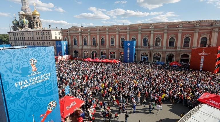 Комитет по физической культуре и спорту подвел итоги работы Фестиваля болельщиков на Конюшенной площади.