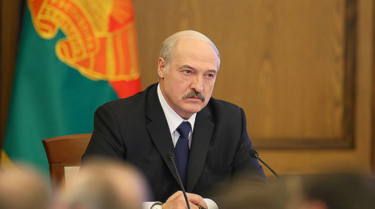 Лукашенко обвинил российские компании в поставках «санкционки» через Белоруссию