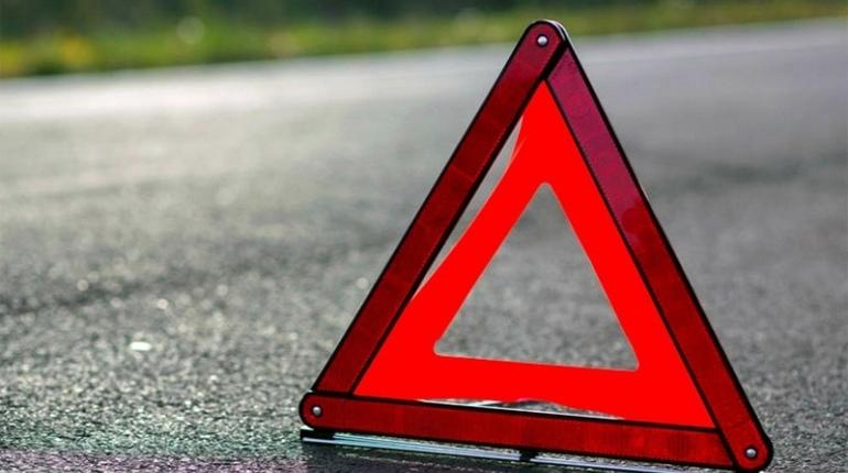 В результате ДТП с иномаркой, улетевшей в кювет в Ломоносовском районе, пострадали пять человек, в том числе годовалый ребенок.
