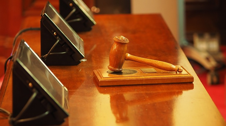 Адвкокаты обвиняемого в получении взяток генерала Александра Дрыманова намерены обжаловать приговор. Ранее суд оставил экс-начальника московского СК под стражей до 12 сентября.