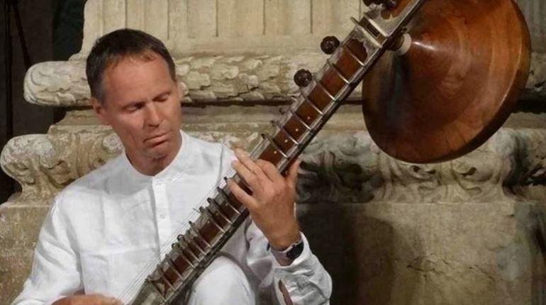 В Петербурге состоится концерт австрийского музыканта Канала Ауэра