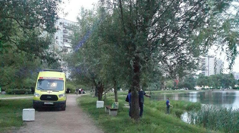 Пострадавшему в драке на улице Ивана Фомина понадобилась помощь медиков