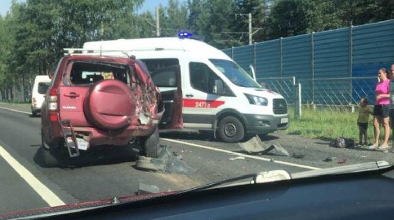 Тройная авария в Комарово отбила желание садиться за руль