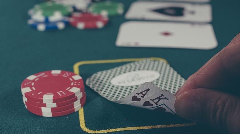 Петербурженку оштрафовали на 50 тысяч за организацию казино
