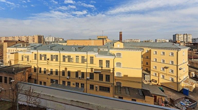 Тысячи заключенных в России выйдут из тюрем раньше срока