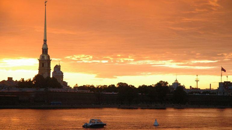 В Петербурге ожидается высокая влажность и давящая духота