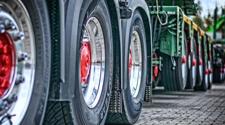 Кировский завод поспорили с «ПТК» из-за названия тракторов