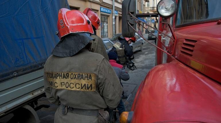 На Полюстровском спасатели помогли водителям аварийных Chevrolet и Hyundai
