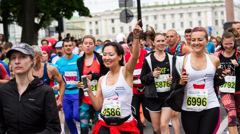 В марафоне «Белые ночи» приняли участие почти 10 тысяч бегунов