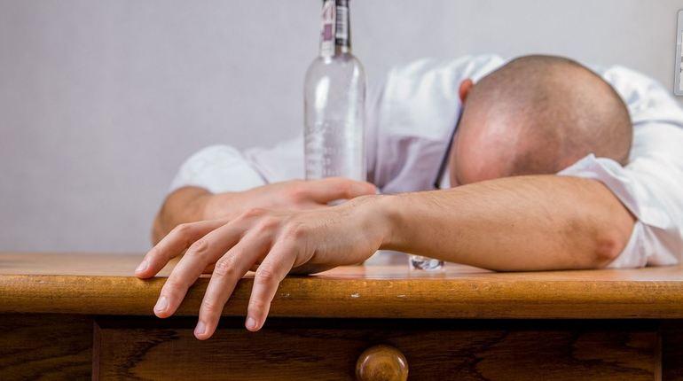 Россияне покупают по 21 литру алкоголя в год