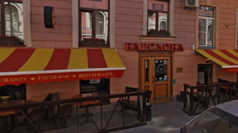 Замучившие жильцов Рубинштейна летние кафе установлены незаконно
