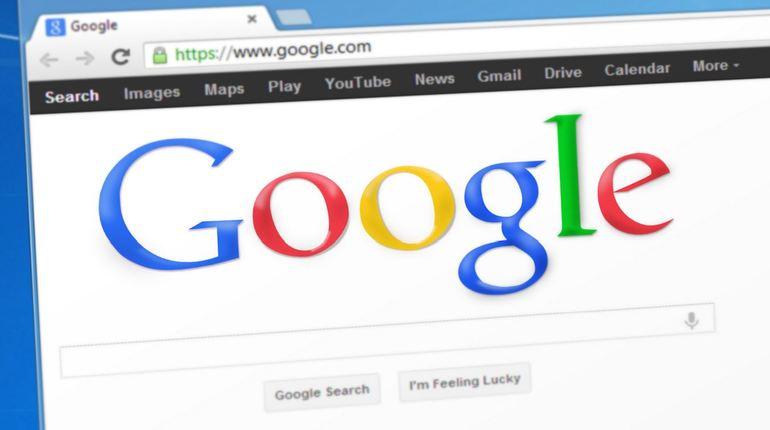 Свое расследование в отношении Google Еврокомиссия начала еще три года назад. Выяснилось, что корпорация совершала неправомерные действия в отношении производителей техники на платформе Android и операторов мобильной связи. За это ее оштрафовали на 4,34 млн евро.