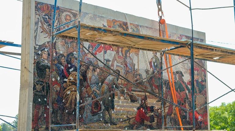 У стелы «Триумф Российского флота» появилась архитектурно-художественная подсветка