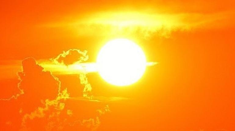 Среда в Петербурге будет жаркой и немного дождливой