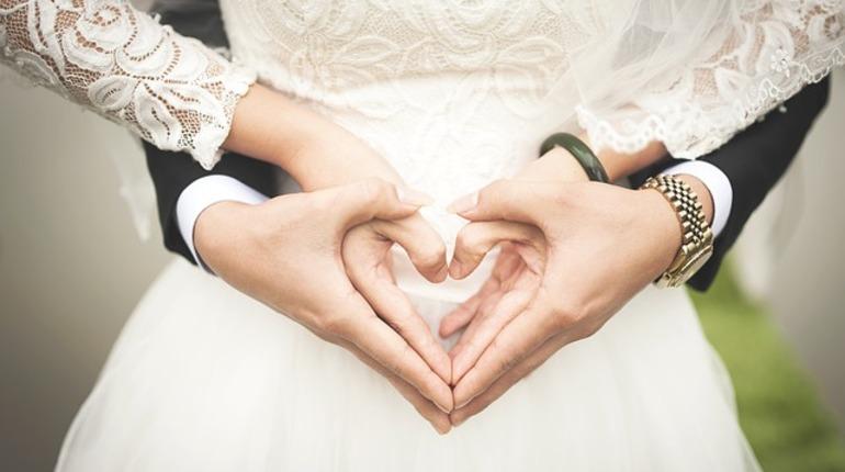 Теперь россияне, которые хотят заключить брак, сами смогут выбрать дату и время для свадьбы. Такой законопроект был принят Госдумой в третьем, окончательном, чтении.