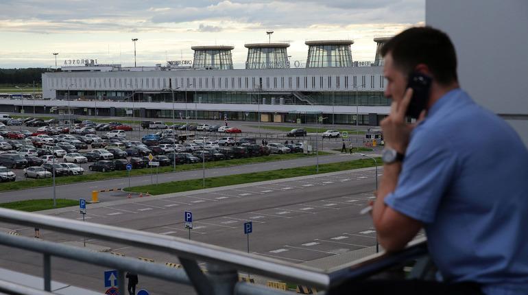 Самолеты в Пулково не могли сесть из-за прилета Медведева