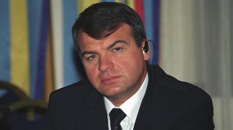 Финконтроль одобрил контракт с фирмой, близкой к Сердюкову