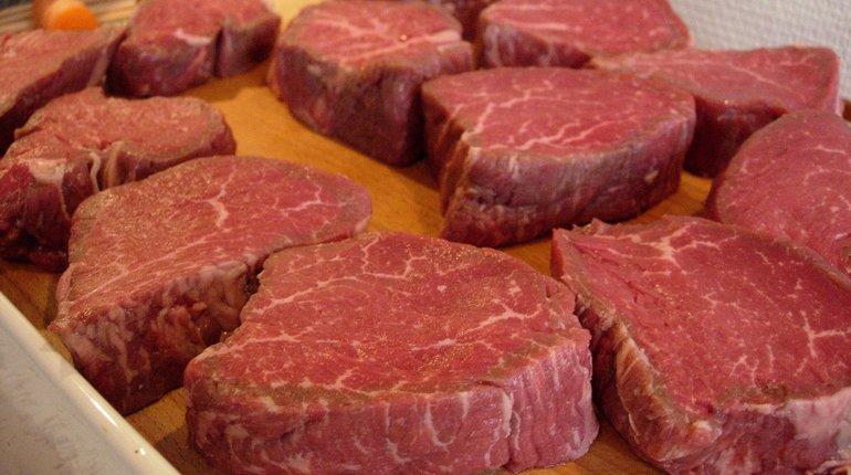 Россия начала экспортировать говядину в Турцию. Первые партии мяса отправились в страну 27 июля.