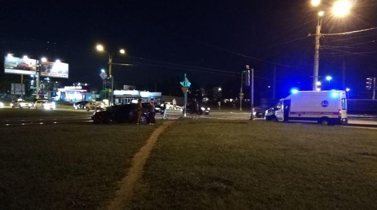 Водители выжили после ночного ДТП на пересечении Науки и Руставели