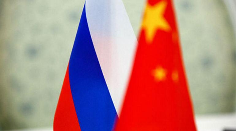 Главком ВМФ России и командующий ВМС Китая увиделись в Петербурге