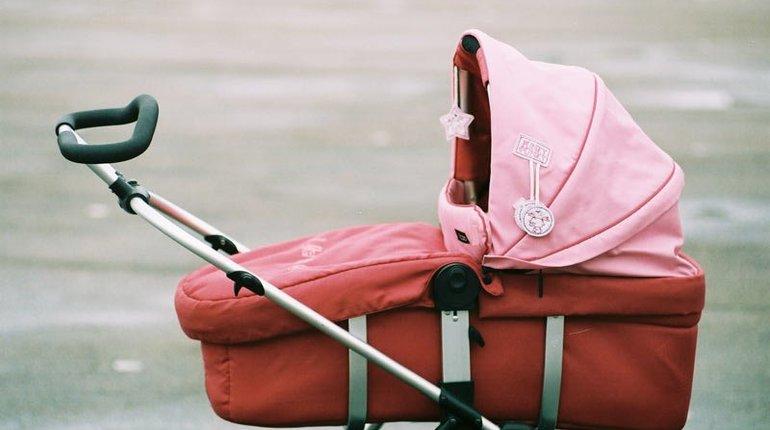 Женщина с коляской попала под машину во Всеволожске