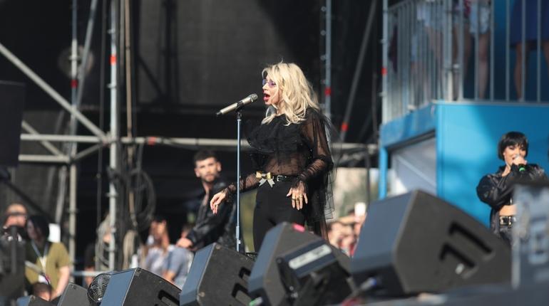 На VK Fest в Петербурге выступили Баста и LOBODA