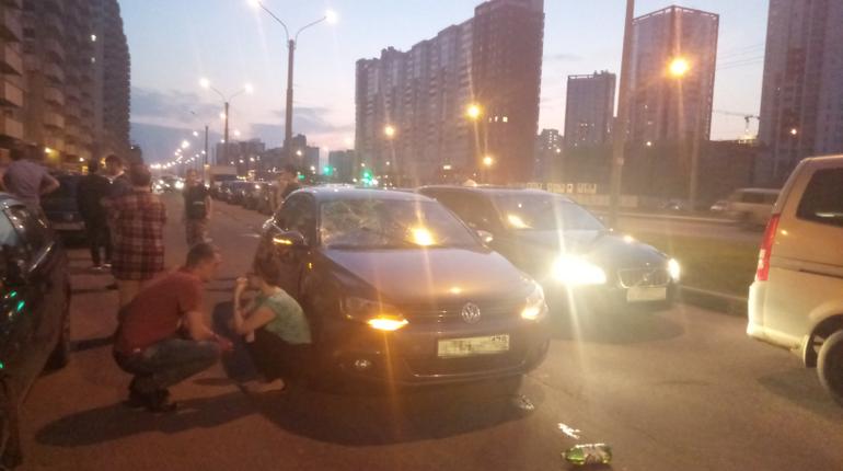На Ленинском проспекте сбили пешехода с пивом