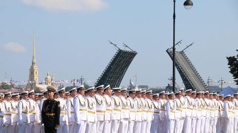 Свыше 8 тысяч комплектов парадной формы подготовили ко Дню ВМФ