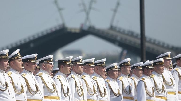 Петербург принял Военно-морской парад