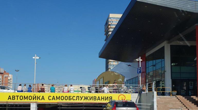 На севере Петербурга эвакуировали «О'кей»