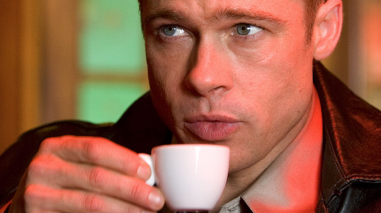 Брэд Питт снялся в «Дэдпуле» за чашку с кофе