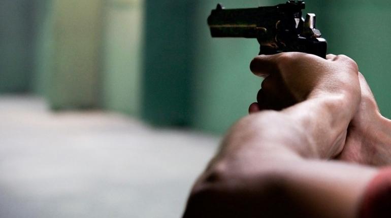 В Петербурге участник дорожного конфликта получил пулю в голову