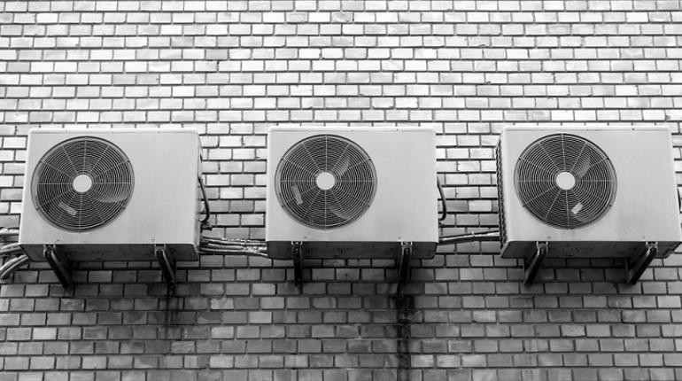 Петербуржцы скупают кондиционеры на жаре