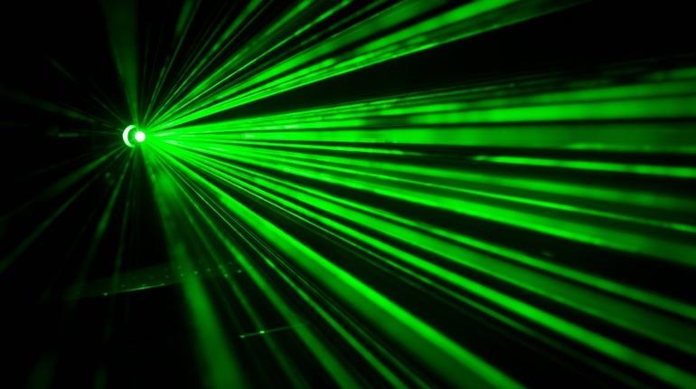 Петербургские ученые разрабатывают нанолазер