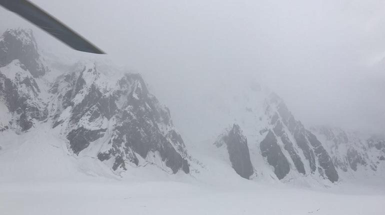 Погода не дает спасти петербургского альпиниста в Пакистане