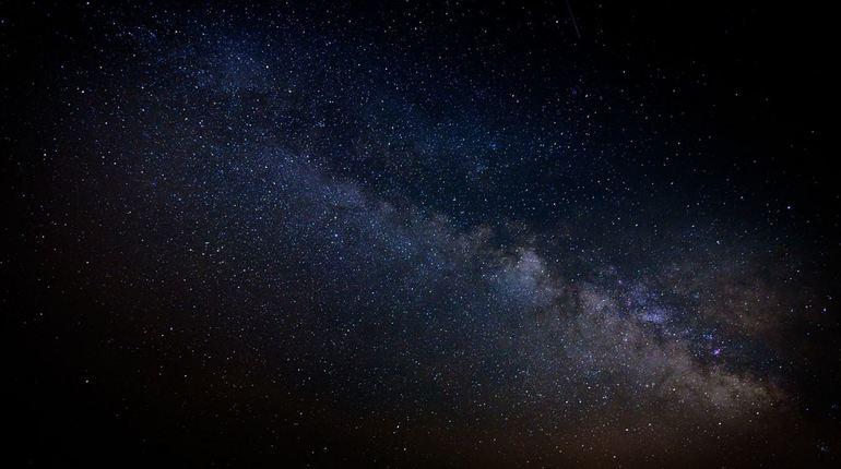 В августе россияне увидят затмение Солнца и звездопад Персеиды