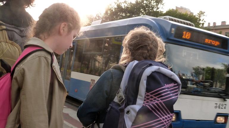 В Петербурге поменяют движение троллейбусов по Арсенальной улице