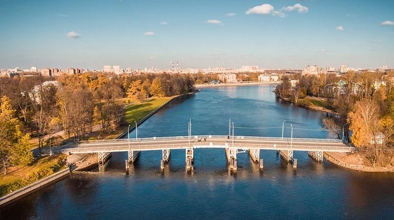 Первому Елагину мосту заказали конец ремонта