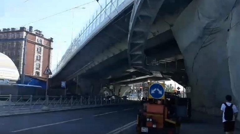 На мосту Бетанкура снова паруса и шум