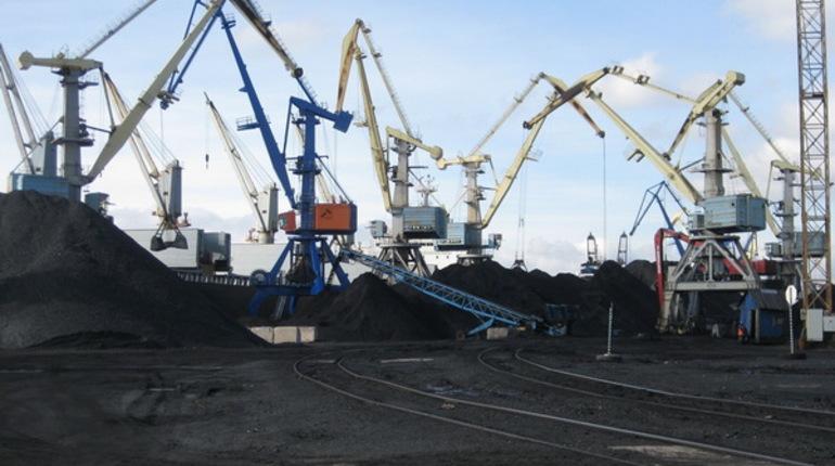 Площадку по строительству терминала по производству и перегрузке сжиженного природного газа в порту Высоцк посетил губернатор Ленинградской области Александр Дрозденко.