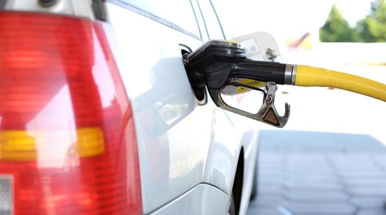 В Петербурге оптимизировались цены на бензин